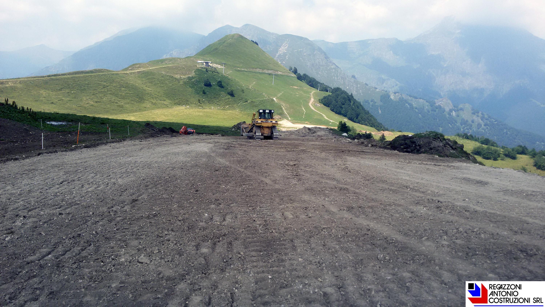 Bobbio - preparazione pista da sci