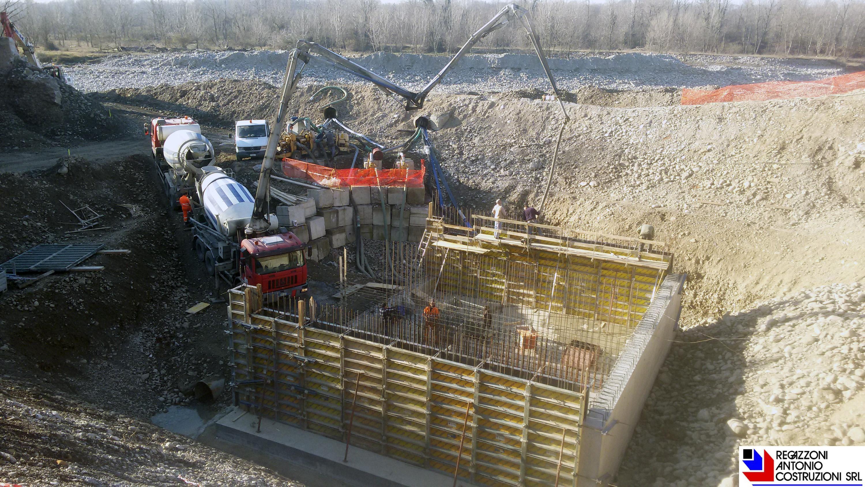 Treviolo - getto centralina idroelettrica