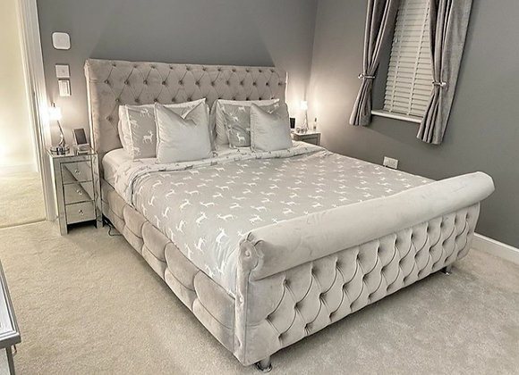chesterfield bed / Front upholstery + side rail Upholstery / Chrome legs