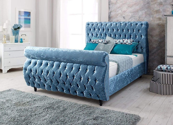 Swan front upholstered bed 4L / wooden leg / beading