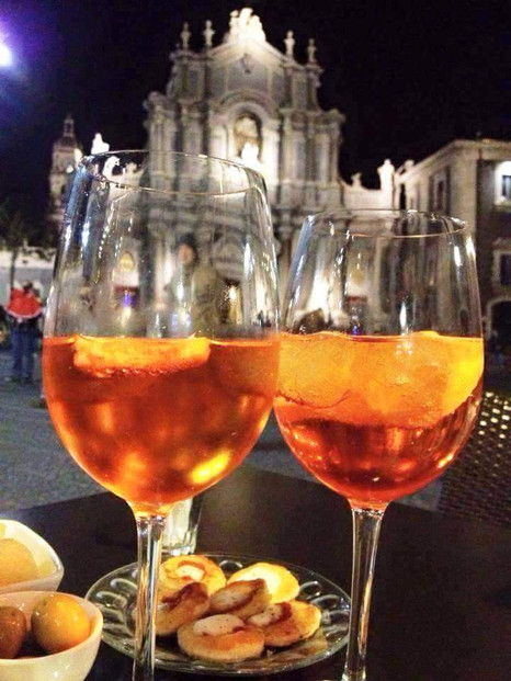 catania - piazza dourmo appertivo.jpg