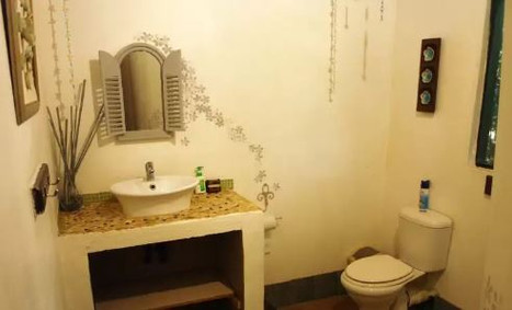 gaia gaia bathroom..JPG.jpg