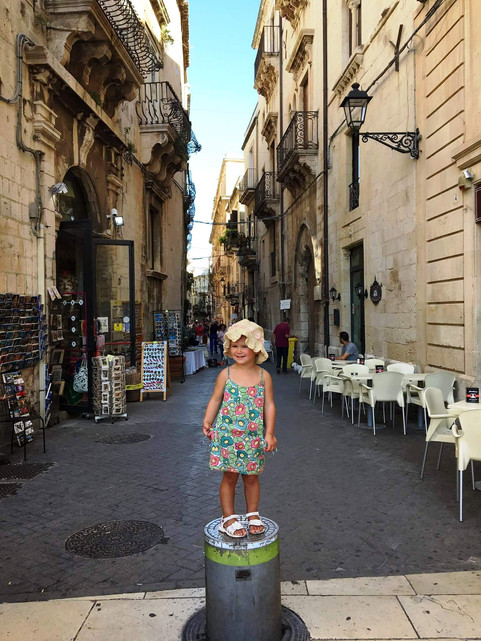 siracusa - the smallest tourist.jpg