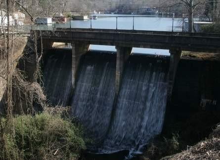 lake lanier dam.jpg