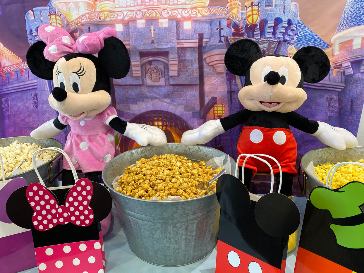 Disneyland theme popcorn buffet for Sprint