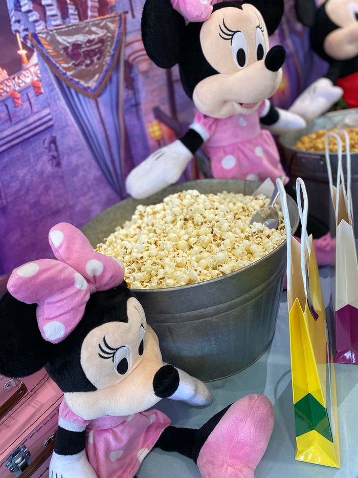 Disneyland theme popcorn buffet for Sprint