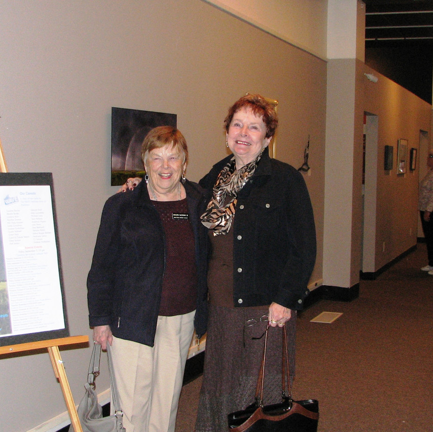 Members enjoyed the exhibits and good fellowship after the meeting