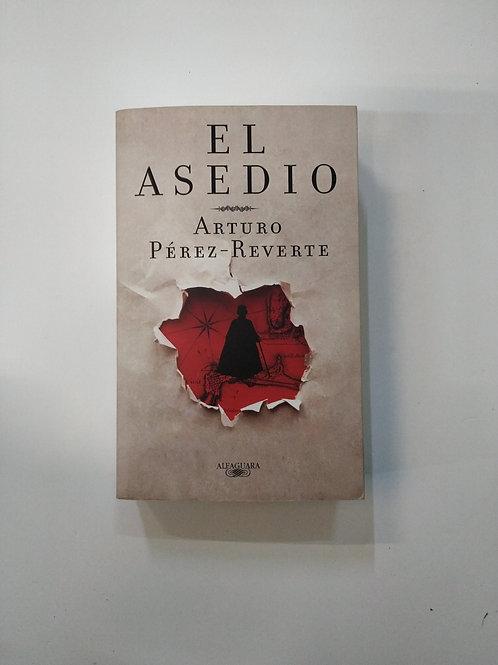 El asedio (Arturo Pérez-Reverte)