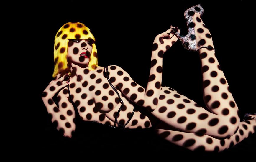 Le Crazy Horse de Paris: Nudes, art, and glitter