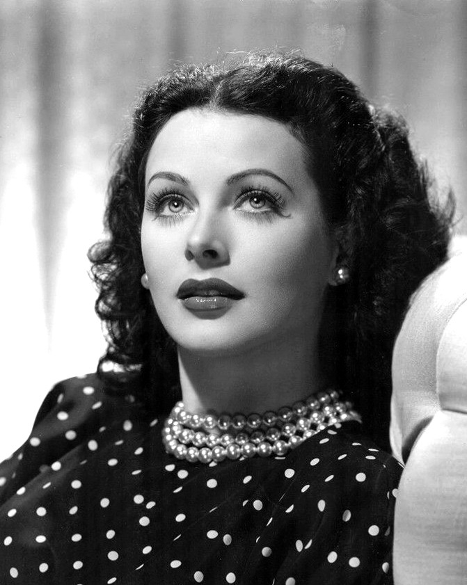 "Artists who Moonlighted as Scientists: Lamarr, Atkins, & Da Vinci | Hedy Lamarr publicity photo for the film ""The Heavenly Body"""
