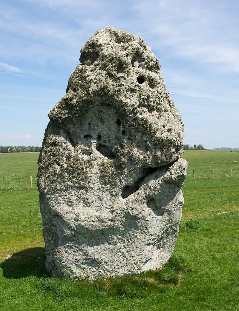 Emerging Stonehenge Research Supports Prehistoric Calendar Theory | Heel Stone Image via Heikki Immonen | CC BY 3.0 Wiki