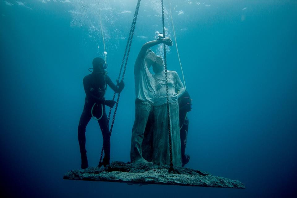 Installation at the Museo Atlantico in Lanzarote | Selfie by Jason deCaires Taylor