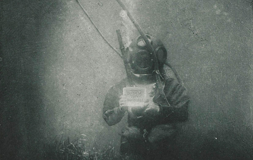 Louis Boutan Pioneered Underwater Photography & Gave the World Its First Look Deep Beneath the Sea