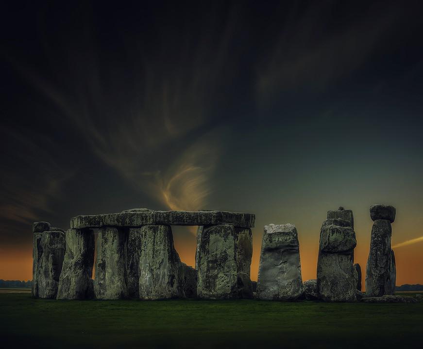 Emerging Stonehenge Research Supports Prehistoric Calendar Theory | Stonehenge | Public Domain via Pixabay