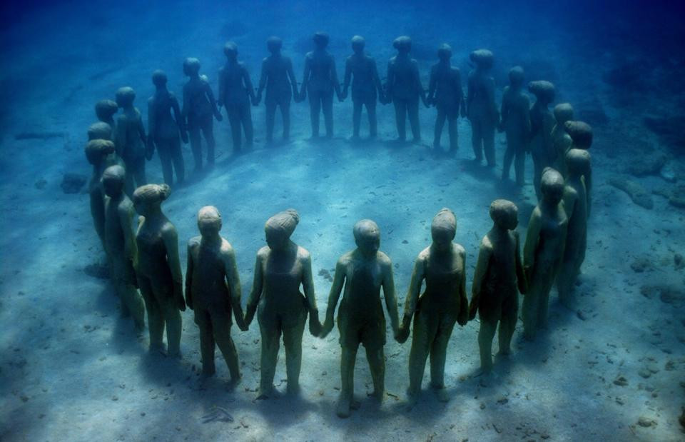 """""""Vicissitudes"""" in Grenada by Jason deCaires Taylor"""