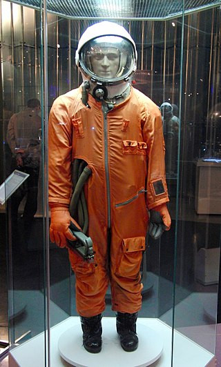 Soviet Spacesuits and the Dawn of Space Exploration | Spacesuit at the Memorial Museum of Space Exploration  in Moscow, Russia via Mikhail (Vokabre) Shcherbakov | CC BY-SA 2.0 Wiki