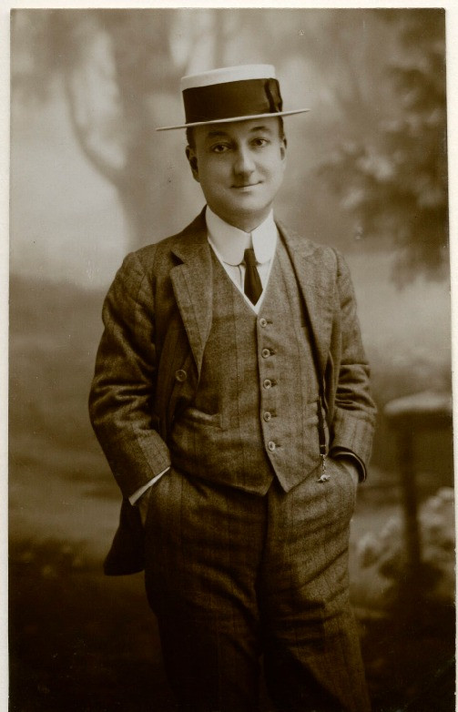 Harry Relph  by Charles & Russell bromide postcard print, 1900s  © National Portrait Gallery, London