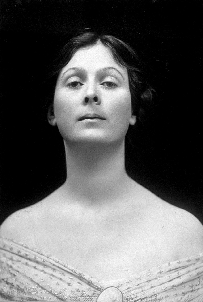 Isadora Duncan  (1877 — 1927) | Dover Street Studios, 38 Dover Street, Mayfair, London, UK. Active 1906–c.1912. | Distributed in the U.S. by Charles L. Ritzmann, photographer