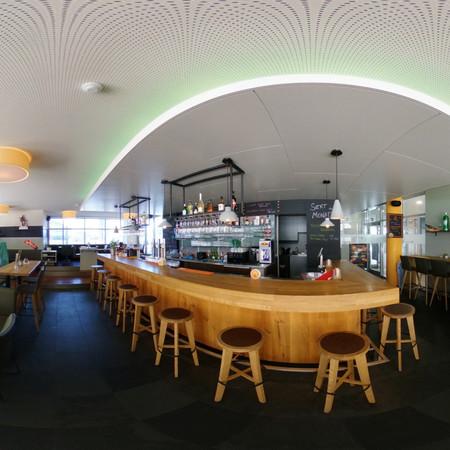 Leons Bar