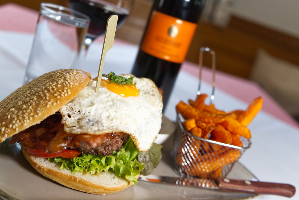 AH Burger DSC05031.jpg