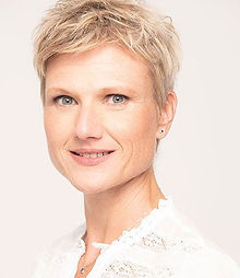 Isabelle-huet-directrice-adjointe-rose-u
