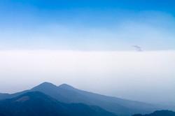 大浪池から望む桜島の噴煙