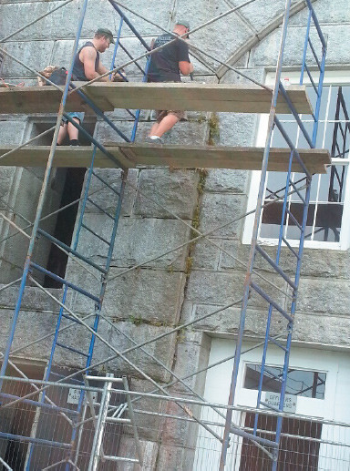 David Leeman, Knox Masonry, repointing granite blocks within the Fort.