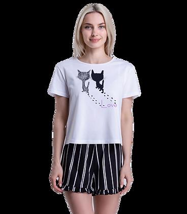Женская пижама (футболка и шорты)