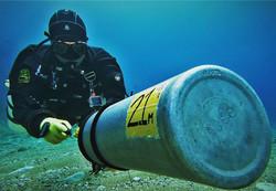 Sidemount Diver Cylinder Handling