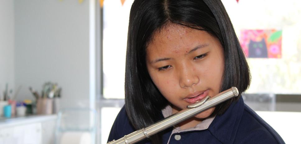 HS Flute (3).JPG