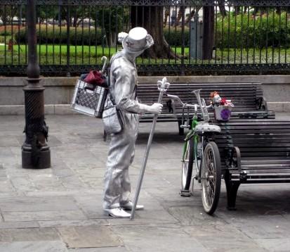 1752 street performer