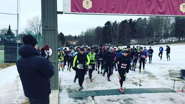 19_e upplagan av Ursvik Ultra startade nu kl 15_00. Vi är här och deltar i stafetten. Grymt arrangem
