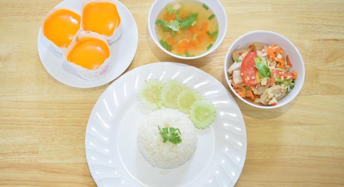 อาหารกลางวัน_201202_10.jpg