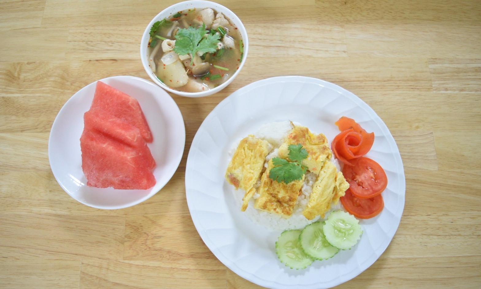 อาหารกลางวัน_201202_28.jpg