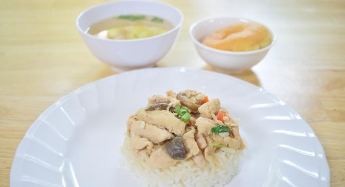 อาหารกลางวัน_201202_0.jpg
