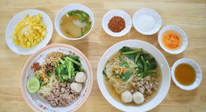 อาหารกลางวัน_201202_3.jpg