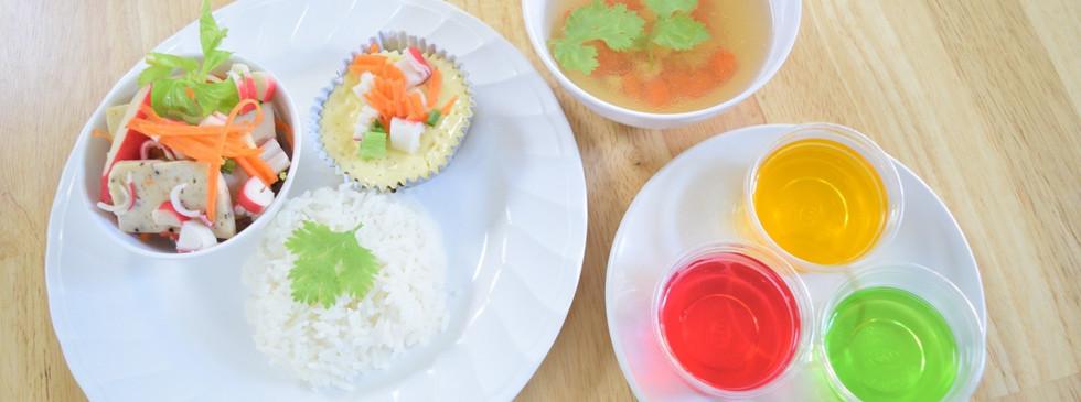อาหารกลางวัน_201202_29.jpg