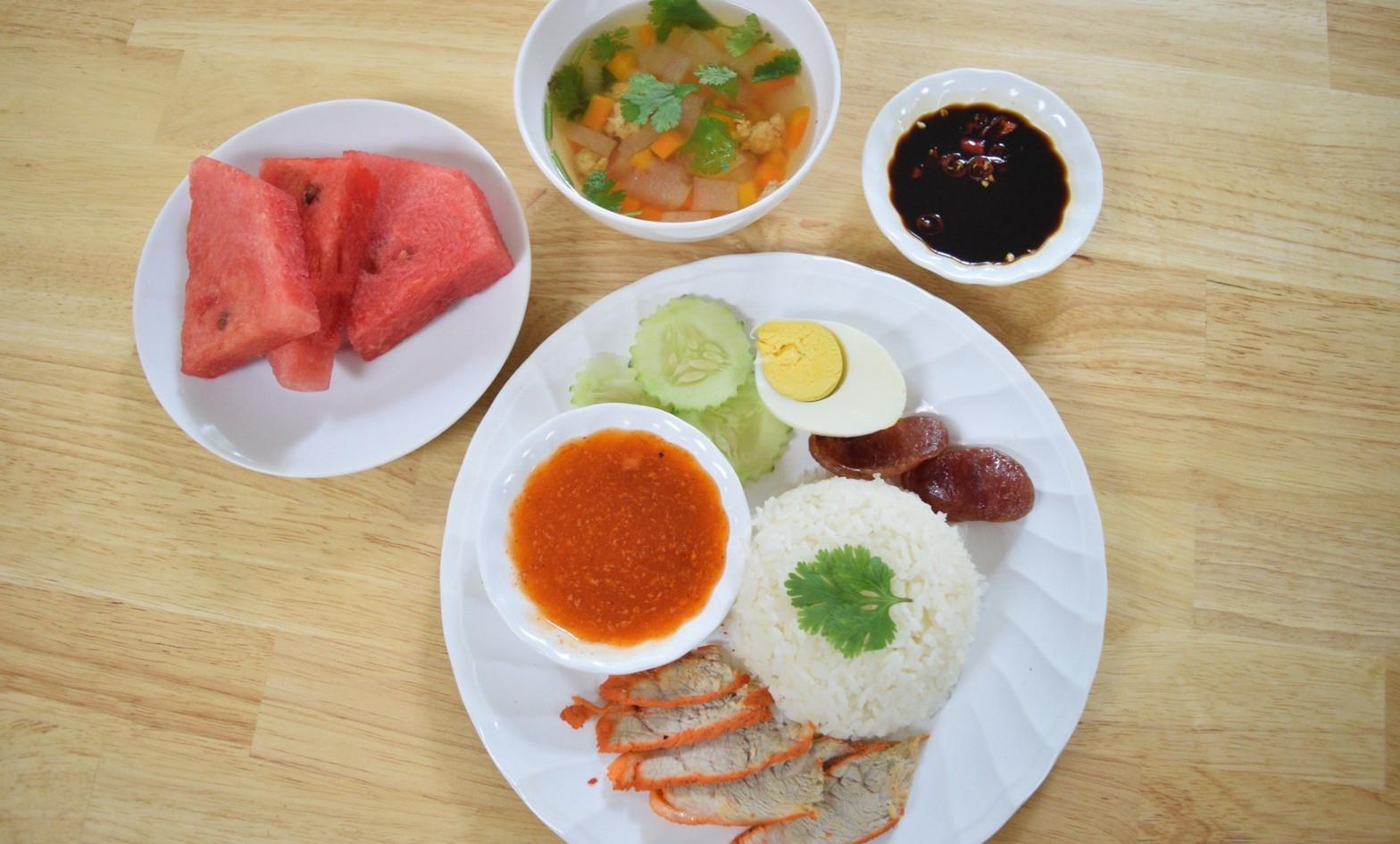 อาหารกลางวัน_201202_2.jpg