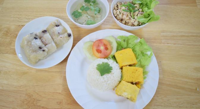 อาหารกลางวัน_201202_27.jpg