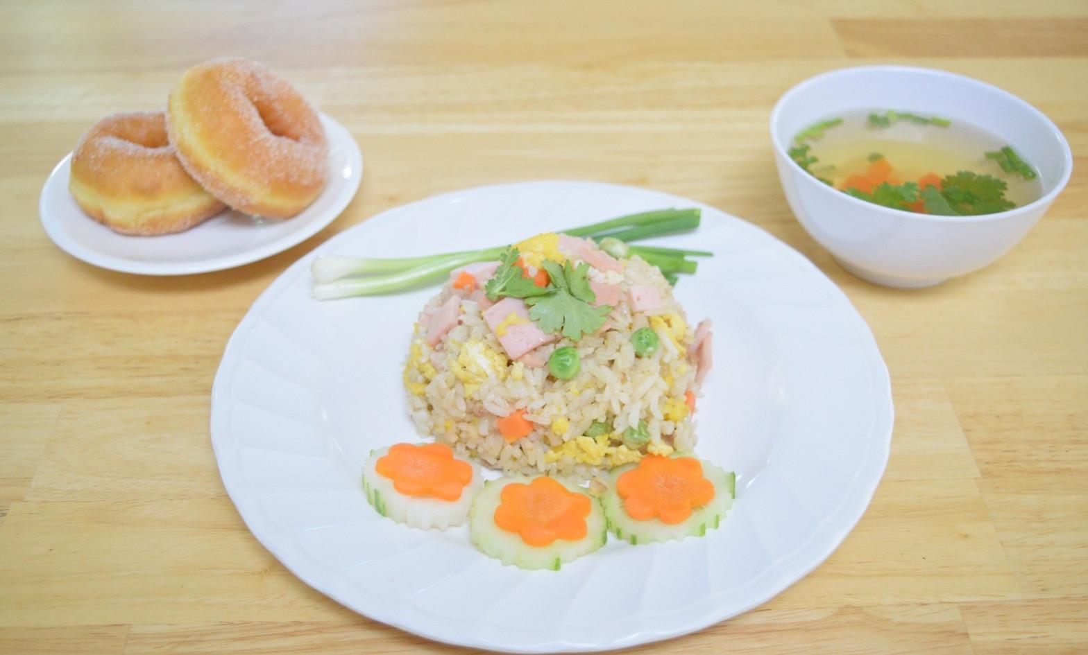 อาหารกลางวัน_201202_17.jpg