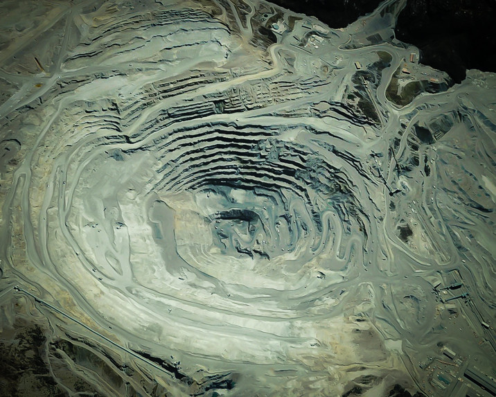 6grasberg mine indonesia.jpg