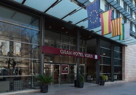 Els hotels ja reben les primeres reserves per a l'estiu