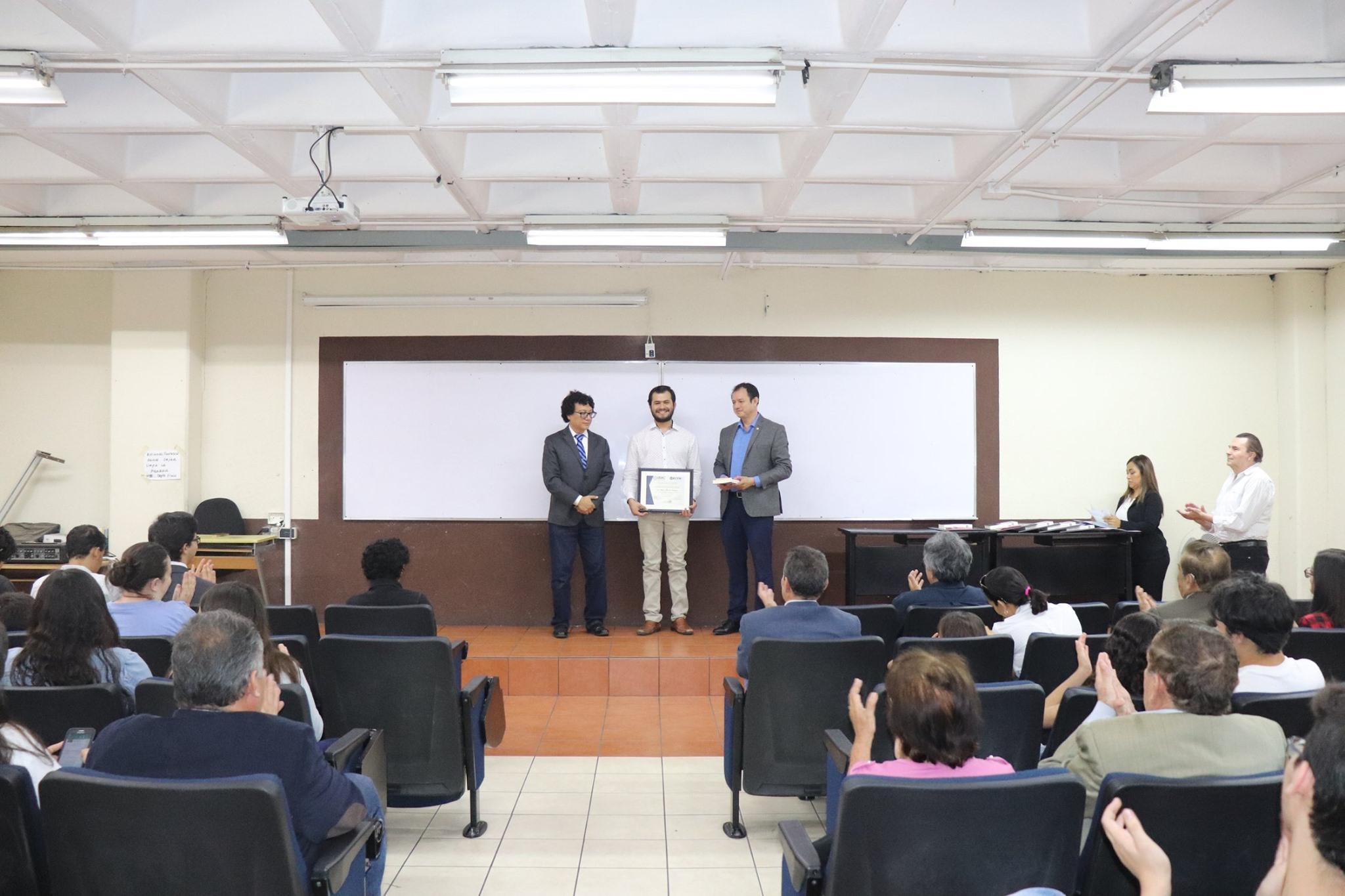 Luis Alvarado, Reconocimiento a la Excelencia Académica, Licenciatura en Matemáticas (USAC).