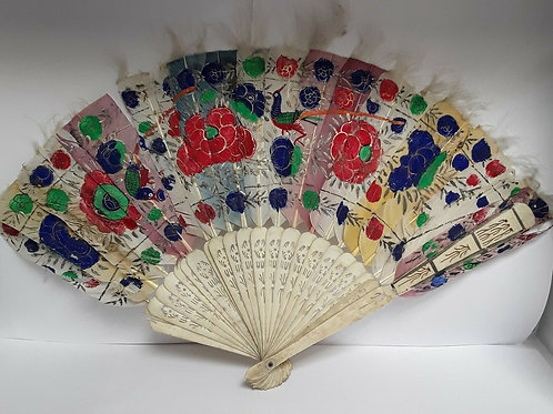 19th CENTURY CHINESE HAND CARVED IVORY HAND PAINTED FEATHER FAN