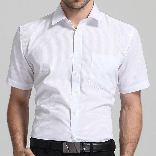Camisa branca básica verão