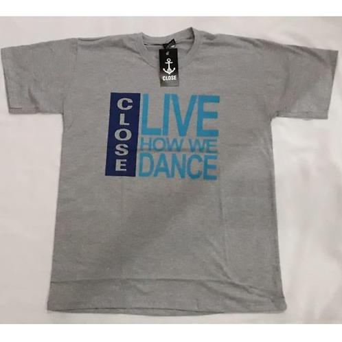 Camiseta cinza com estampa