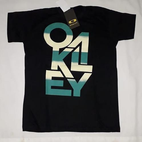 camiseta preta estampa oakley