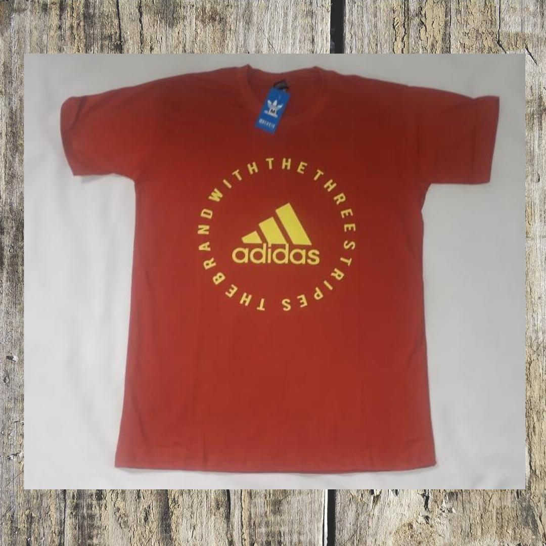 Camiseta vermelha Adidas