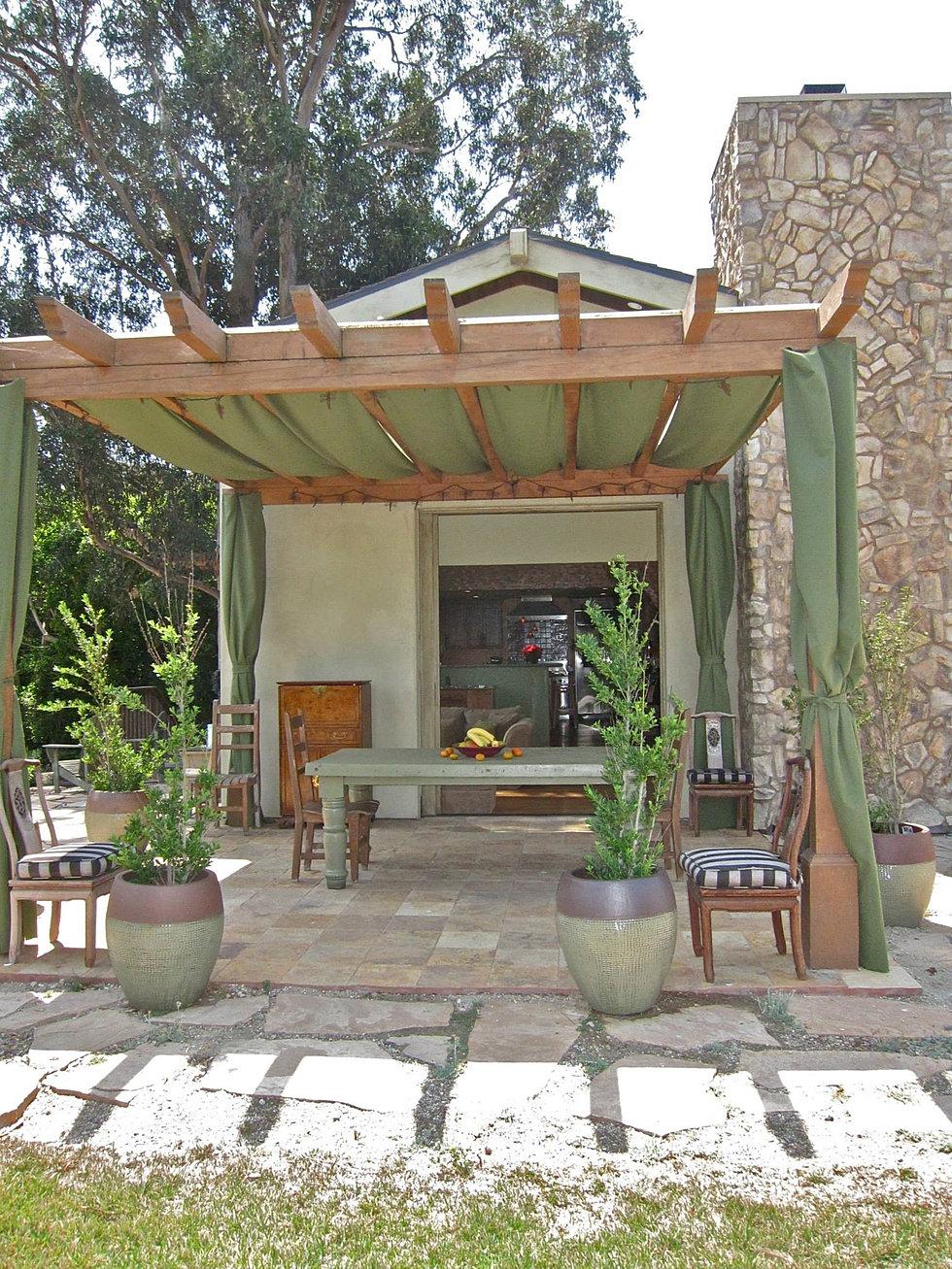 bitchin u0027 digs design u0026 real estate by tessa hendrie u0026 alyssa