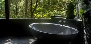 Villa tub.jpg